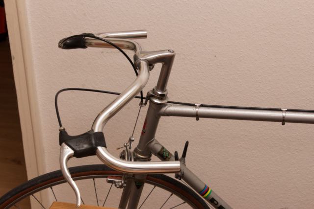 Peugeot PX-10, moustache handlebar with brake levers and cables